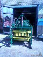 Сверхпроизводительный шлакоблочный вибропресс полуавтомат
